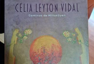"""Autores del libro """"Celia Leyton Vidal"""" presentan su obra al Rector de la UCT"""