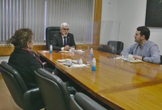 Rector UCT y Gobernador Regional electo compartieron ideas sobre descentralización
