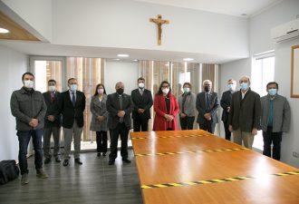 Entregan informe para el perfeccionamiento de la Facultad de Ciencias Religiosas y Filosofía UCT