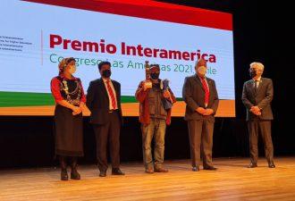 Rectores del sur de Chile entregaron Premio Interamerica CAEI 2021 a Elicura Chihuailaf