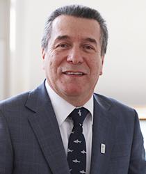 Decano Dr. Iván Valdebenito Isler